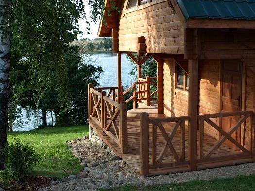 Domek nad jeziorem na Mazurach Kominek dostęp do linii brzegowej