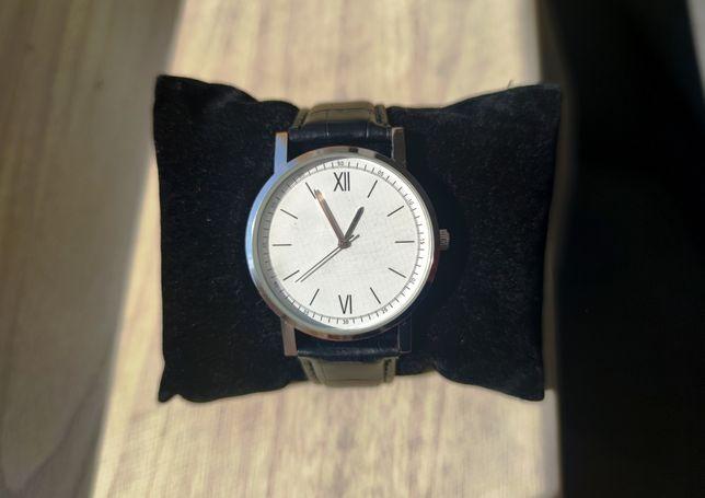 Zegarek męski na pasku skórzanym