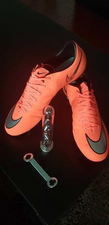 Chuteiras NOVAS Nike Mercurial - 42