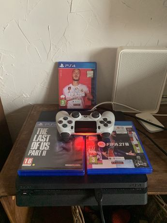 Playstation 4 Slim + Fifa 21 i inne