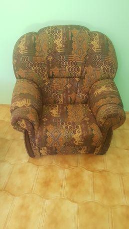 Vendo sofás em bom estado (sofá cama)