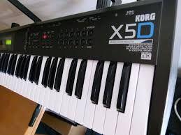 Синтезатор Korg X5D