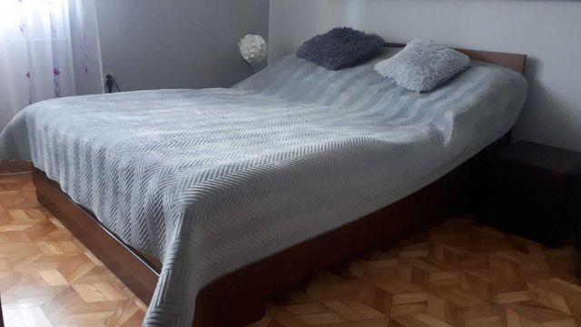 Łóżko sypialniane