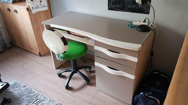 Biurko (krzesło obrotowe gratis)