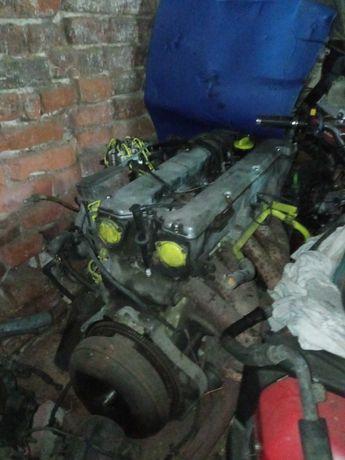 Kompletny Silnik 2,8 z Mercedesa W123