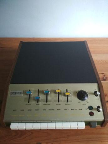Univox SR-95 / Korg Mini Pops 7 automat perkusyjny Vintage