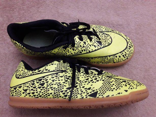 Манежки Nike 37p