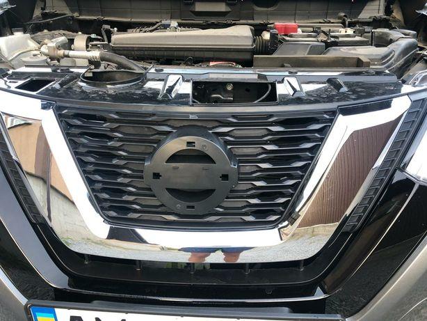 Продам решетку радиатора Nissan Rogue Т32 USA