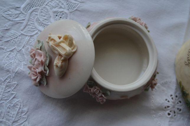puzderko szkatułka z baletkami porcelana Anglia