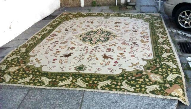 Carpete Arraiolos 3,30m x 2,90
