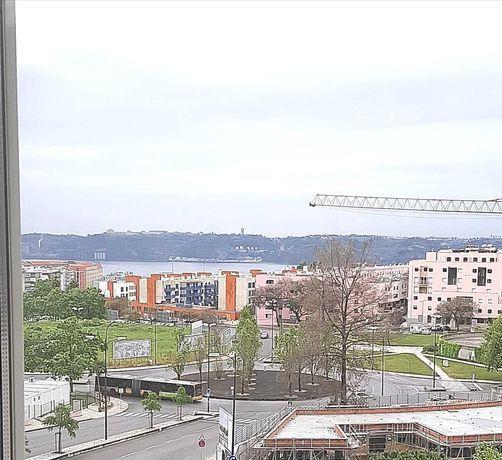 Apartamento T2+1 nas Torres do Restelo