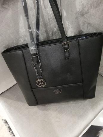 Piękna czarna torebka Guess A4 saffiano brelok logo MK LV jakość