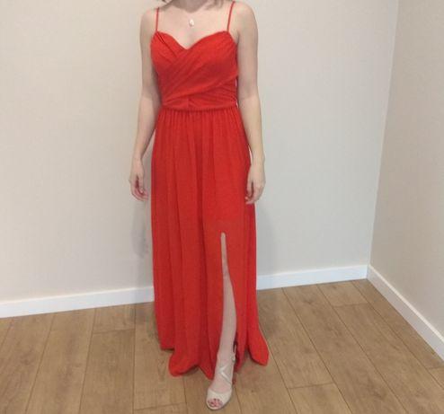 Długa czerwona sukienka z rozporkiem 34 xs na ramiączkach zwiewna