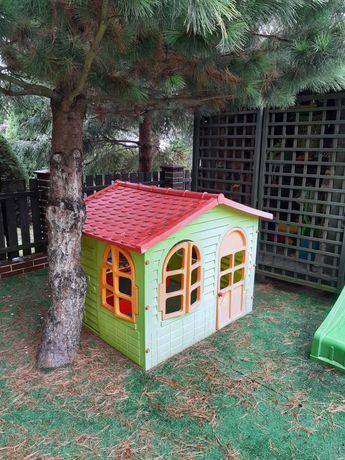 Sprzedam domek plastykowy dla dzieci.