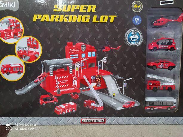 Super Straż pożarna, garaż, parking z pojazdami stan Bardzo Dobry