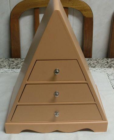Guarda joias em madeira com 3 gavetas