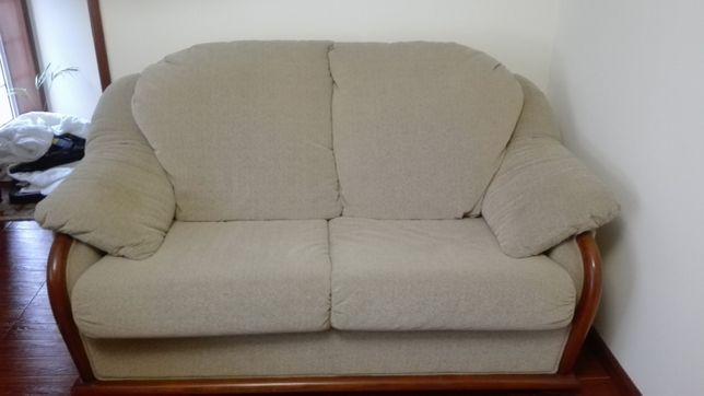 Sofá em tecido em muito bom estado