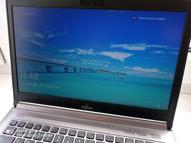Laptop Fujitsu lifebook 14.1cali