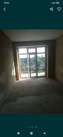 Продам 3 комнатную квартиру под ремонт Садовая 16
