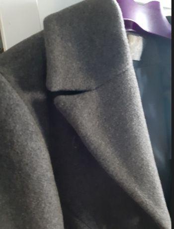 płaszczyk wełniany w kolorze szarym