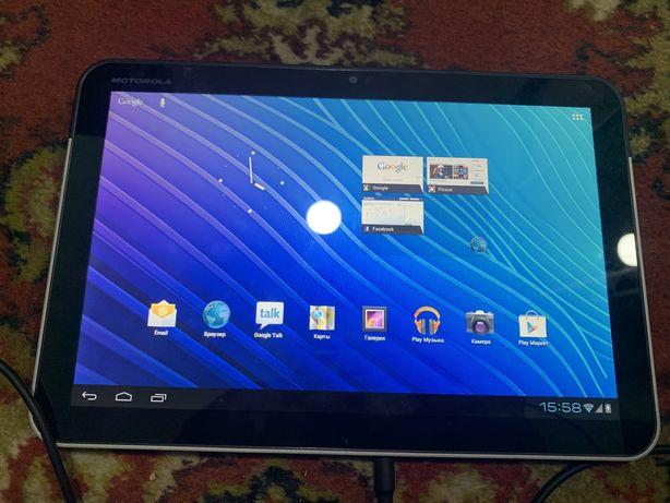 Планшет Motorola Xoom Wi-Fi+3G (MZ601)