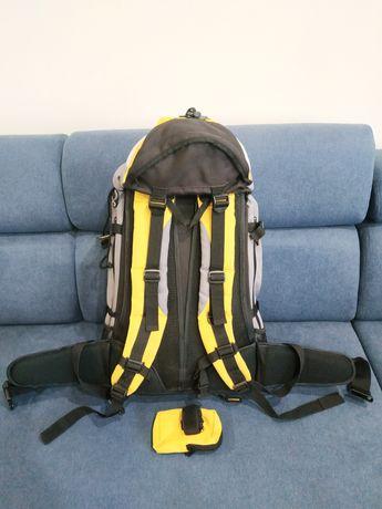 Трекинговый туристический рюкзак
