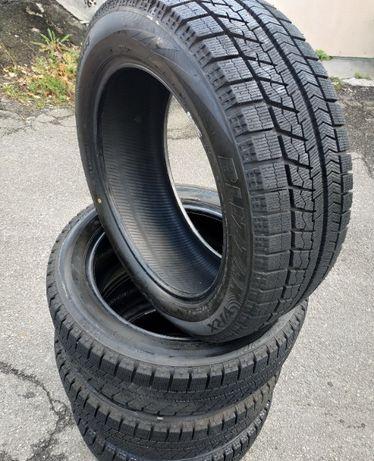 Шины зимние 215/55/R18 Bridgestone VRX 17 год Почти Новый Япония