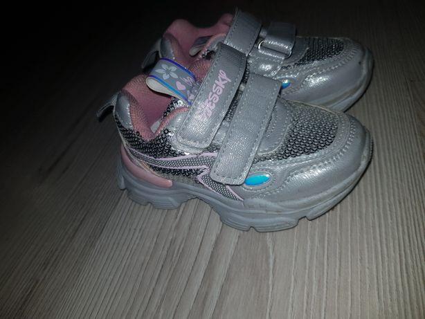 Кросівки нові, дитячі, розмір 22