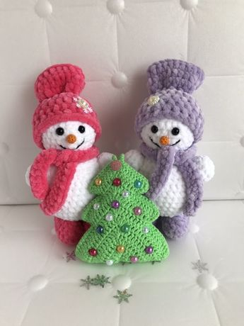Снеговики вязаные