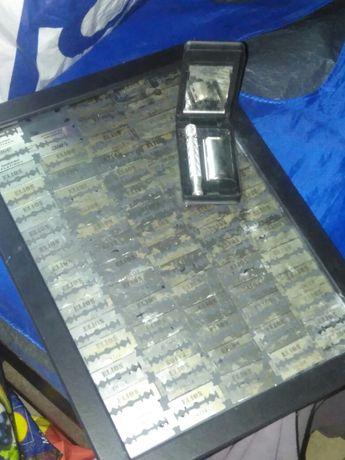 Gilette Antiga em caixa com varias laminas