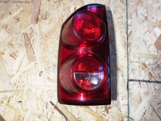 Lampa Dodge RAM LEWA (uszkodzona) 08 r.