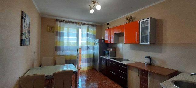 Продам квартиру 3-к  108м.кв. Бориспольская 6