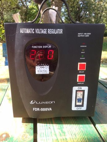 Стабілізатор напруги LUXEON FDR-5000VA