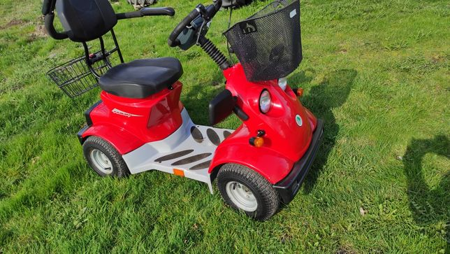 Elektryczny wózek skuter inwalidzki Dla seniora, jak wózek golfowy
