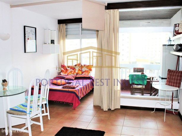 Apartamento T0 em Edificio na Praia da Rocha a 150m da Praia