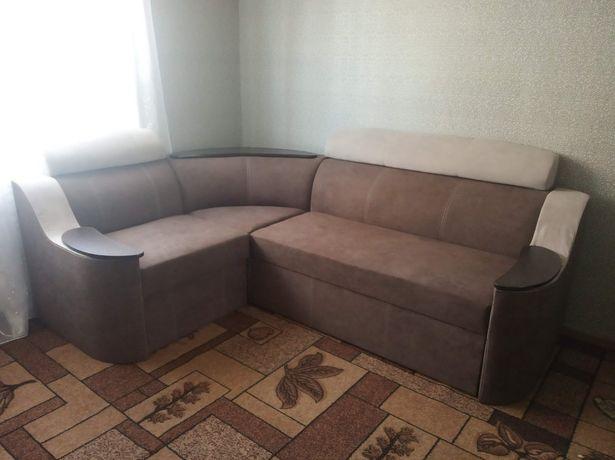 Продам диван в хорошому стані..