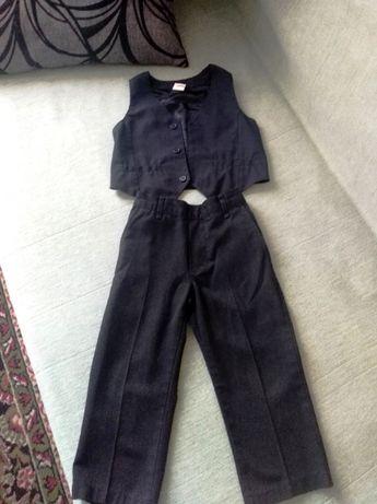 Костюм штаны жилетка на мальчика 2-3 года