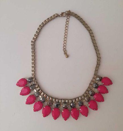 Colar dourado com pendentes rosa da Lanidor