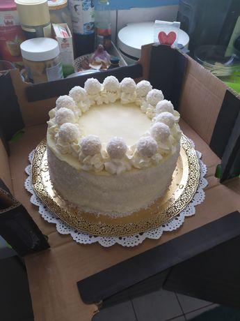 Luksusowy tort Rafaello średnica 22 na 15 osób