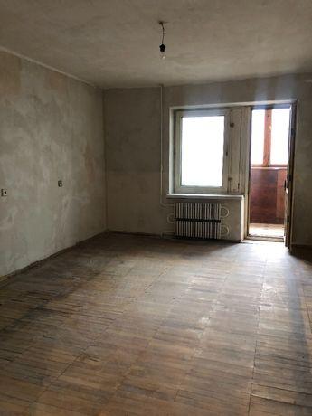 Продаю интересную 2-комн. квартиру 53 кв.м. в районе Малого рынка.