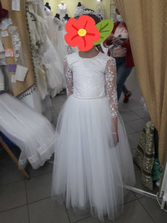 Продам плаття на дівчинку ріст 146.