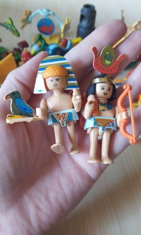 Продам игрушки Киндеры 55 штук