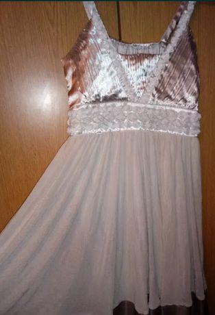 Śliczna kloszowana sukienka różyczki tiul M