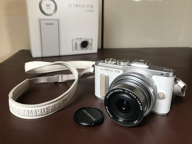 Aparat OLYMPUS PEN E-PL8 + obiektyw 14-42mm (Biały)