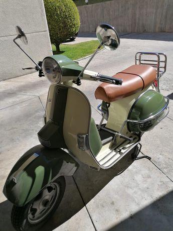 Scooter LML com oferta do capacete.