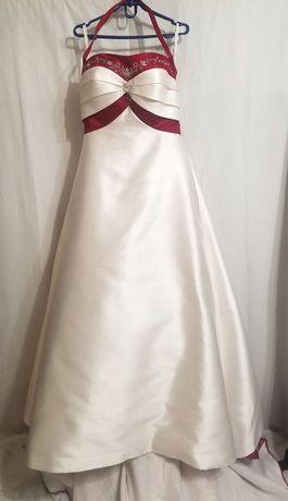 Свадебное платье или для фотосессии.