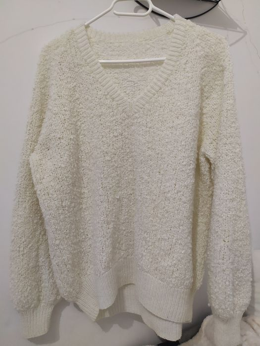 Biały sweter oversize. Sokółka - image 1