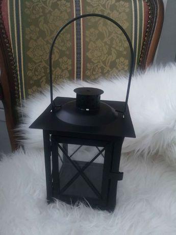 Czarny mały lampion