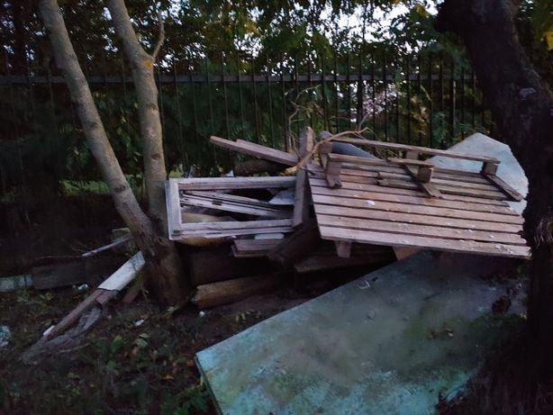 Drzewo opałowe +Trzy duże worki styropianu + drzewo na opał