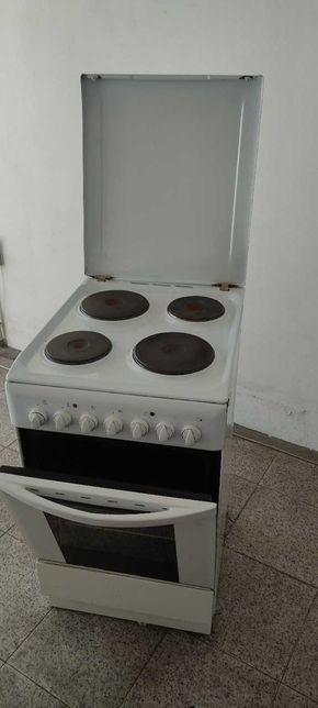 Fogão e forno elétrico INDESIT
